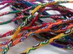 弊社で輸入している「タキーレ島の紐」は、実は組紐ではなく編み物なのだそうです。このレベルまで行くのには、あと何回挑戦すればよいのだろう・・・。紐っておくがふかーい!というのが今回の感想でした。次回はぜひご参加くださいね!!